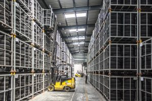 forklift-warehouse-machine-worker-industry-pallet (1)