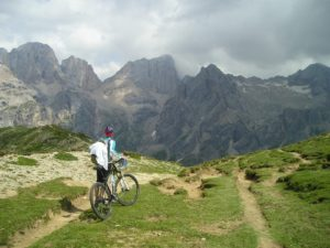 transalp-mountain-bike-bike-marmolada-south-wall-1